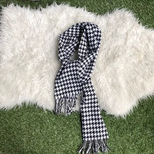 Houndstooth Black and White Scarf